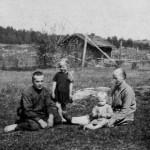 1932 Juho, Jenny ja lapset Helvi ja Sylvi