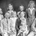 1945 Sikkolan Nikkiset Eenok ja Kerttu perheineen